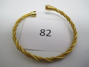 1 Bracelet en or 22 K ouvrant torsadé fermoir cassé.PB 30,1g.
