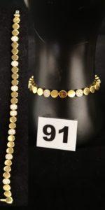 1 Bracelet en or de style contemporain orné de 56 petits diamants (L 17cm) fermoir cliquet invisible à rabat. PB 20g