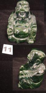 1 Statuette en jadéite représentant un bouddha (H 10cm).