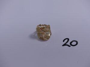1 bague en or à motifs filigranés (Td54). PB 5,3g