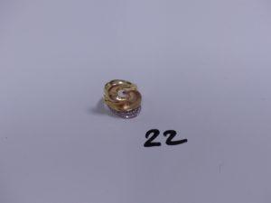 1 bague en or ornée de petites pierres (Td56). PB 6,4g