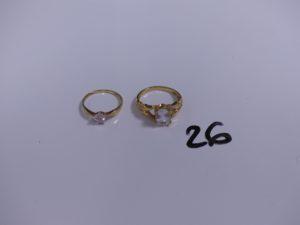 2 bagues en or ornées d'une pierre blanche (Td54/57). PB 5,8g