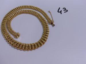 1 collier maille américaine en or avec chaînette de sécurité (L45cm). PB 39,9g