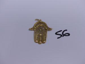 1 pendentif main en or à motif filigrané (1 peu cabossé, H4cm). PB 4,1g