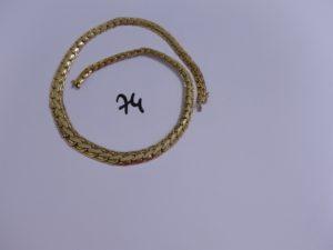 1 collier maille festonnée en or poli et granité (L45cm). PB 33,9g