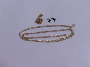 1 pendentif ouvragé cassé et 1 chaîne maille alternée abimée (L42cm). Le tout enn or PB 4,5g