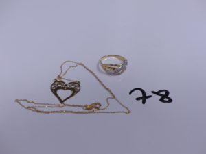 1 bague bicolore en or ornée de petits diamants (Td55) et 1 collier maille forçat trés fine en or motif central en forme de coeur (trés fragile, L42cm). PB 3,4g