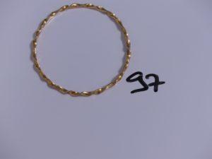 1 bracelet jonc torsadé en or (diamètre 6/6,5cm). PB 12,7g
