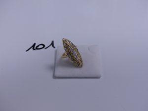 1 bague marquise en or ornée de pierres blanches (Td47). PB 5,5g