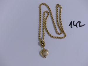 1 collier maille corde en or motif central à décor d'un coeur (L44cm). PB 10,3g