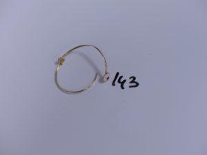 1 bracelet cassé en or . PB 2,5g