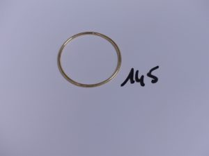 1 bracelet jonc en or pour enfant (Diamètre 4,5cm). PB 6,7g