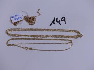 2 chaines en or (1 maille forçat, L44cm)(1 maille alternée, L50cm). PB 5,5g + chaine en métal