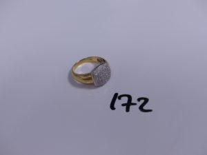 1 bague en or ornée d'un pavage de petits diamants (Td61). PB 6,9g