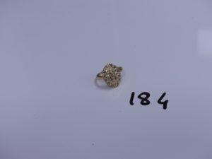 1 bague en or ornée de petits diamants (Td53). PB 2,8g