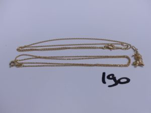 2 chaines en or (1 maille gourmette, L 44cm)(1 à décor de boules, L 44cm) et 1 pendentif en or à décor d'un lapin. PB 6,5g