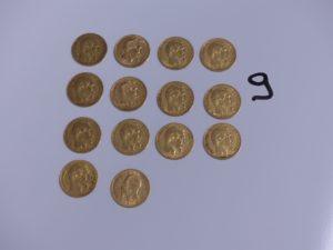 13 Pièces de 20 Francs en or Napolèon III (1854A, 1856A, 1858A, 1860A, 1857A, A1864, A1866) et 1 pièce de 20 lires en o r Vittorio Emanuel II (1874). PB 89,80g