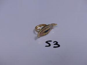 1 Bague en or à décor d'un oeil bleu et ornée de pierres (Td53). PB 8,2g