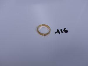 1 alliance ciselée en or (td52). PB 2,7g