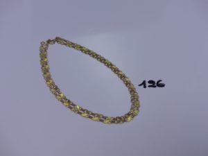 1 chaîne maille fantaisie plate en or (L52cm, fermoir cassé). PB 7,5g