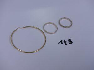 2 alliances en or (1 td61 et 1 ciselée td58) et 1 créole en or. PB 5,7g