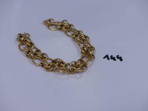 1 collier maille fantaisie en or (quelques maillons cabossés, L44cm). PB 15,1g