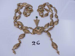 1 collier bretelles en or dont 4 motifs sont ornés de pierres (1 chaton vide,L76cm) + 2 rallonges en or. PB 273,3g