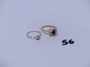 2 bagues en or (1 ornée d'une pierre monture cabossée Td49)(1 ornée de nombreuses pierres Td54). PB 3,9g