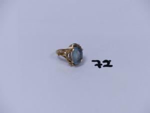 1 bague en or ornée d'une pierre couleur bleu ciel (Td55). PB 6,1g