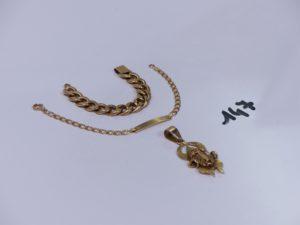 1 bracelet identité vierge en or (fermoir à réparer,L13cm) 1 bris d'or et 1 pendentif ouvragé en or. PB 10,4g