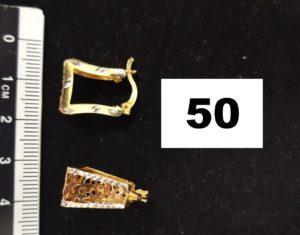 2 Boucles d'oreilles ajourées bicolores rectangulaires. PB 3,9g
