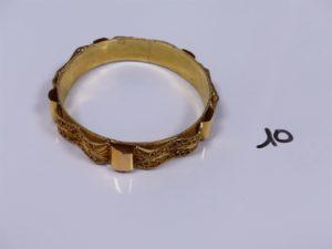 1 bracelet en or ouvragé (usé,diamètre 7cm). PB 22,8g