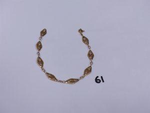 1 bracelet en or à motifs filigranés (cassé). PB 6g