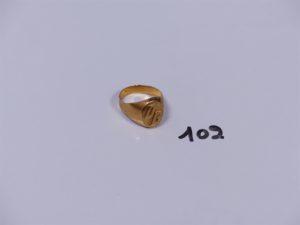 1 chevalière en or initiales gravées (TD57). PB 4,1g