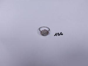 1 Bague en or et platine ornée de petits diamants taille rose (Td55). PB 3,2g