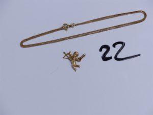 1 Chaîne en or maille gourmette (L46cm) et 1 pendentif en or à décor de Cupidon. PB 3,7g