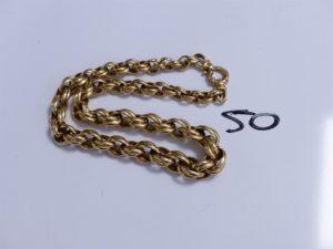 1 Collier en or maille ovale entrelacée (L44cm). PB 50,3g