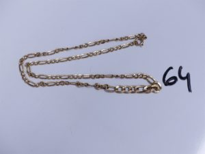 1 Chaîne en or maille alternée, un peu cabossée (L 44cm). PB 3,5g