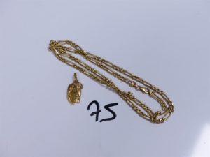 1 Chaîne en or maille alternée (L60cm) et 1 pendentif en or à décor du Christ. PB 17,2g