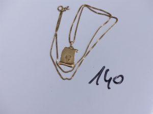 1 Chaîne en or maille colonne et son pendentif signe du scorpion en or (fermoir soudé, L 62cm). PB 10,8g