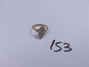 1 Marquise en or ornée de pierres et diamants (monture à redresser, 1 chaton vide). PB 3,7g